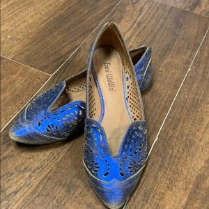 Gee' waWa blue metallic shoe.  Size 7